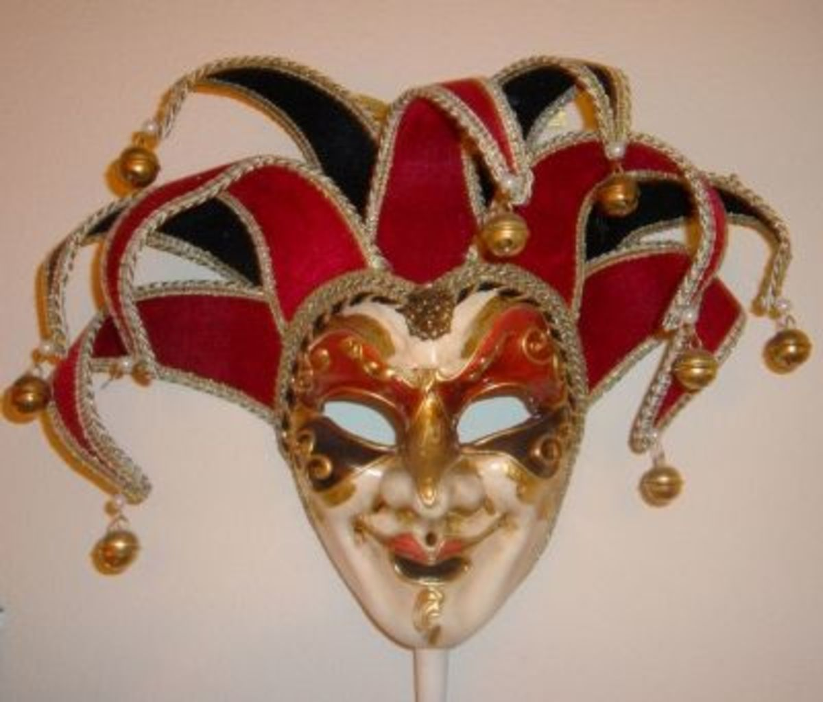 Our Maschera del Galeone Carnival Mask - 9-point jolly mask