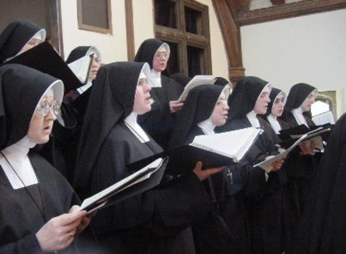 Roman Catholic Nuns Singing-Daughters of Mary