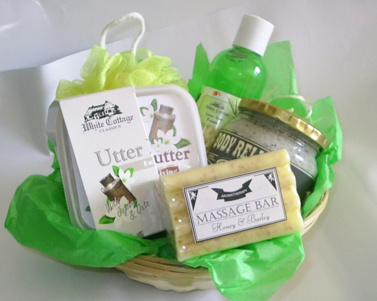 "A ""bath time"" treat gift hamper"