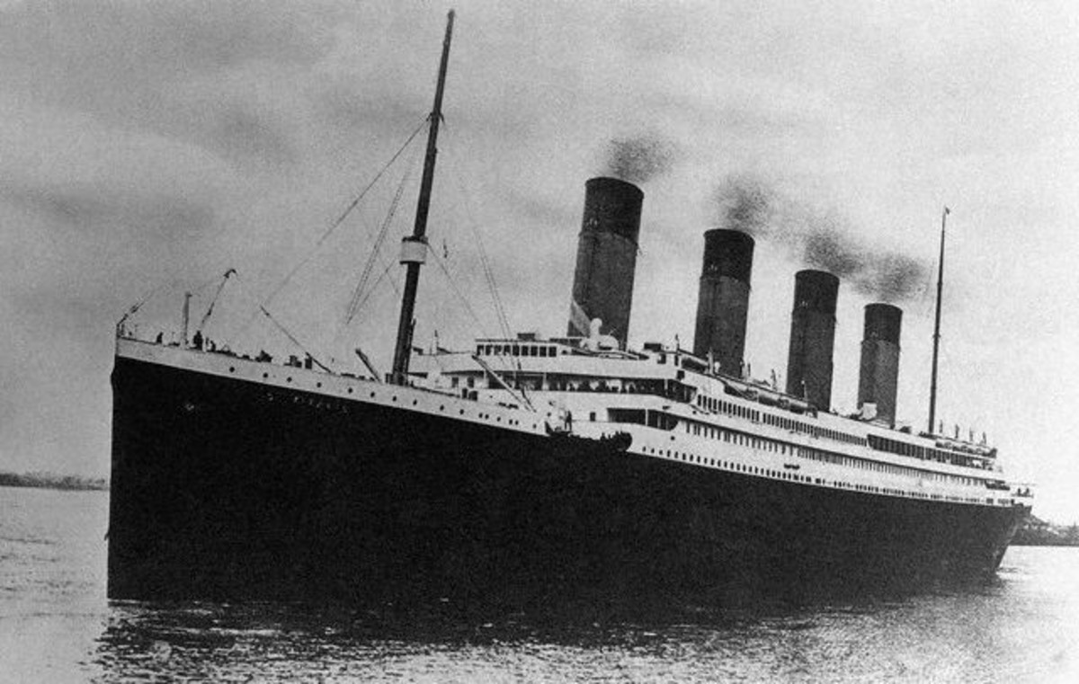Public domain . See: http://commons.wikimedia.org/wiki/File:RMS_Titanic_4.jpg