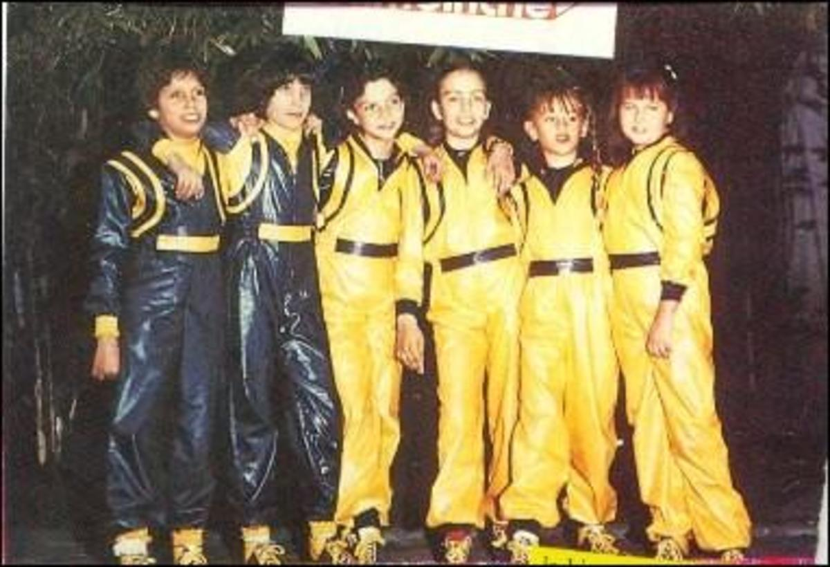 Timbiriche memebers in their early years. Diego, Benny, Mariana, Sasha, Paulina, and Alix.