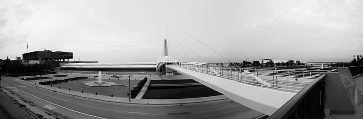 Quadracci Pavilion of the Milwaukee Art Museum.    Designed by Calatrava; built and completed in 2001.