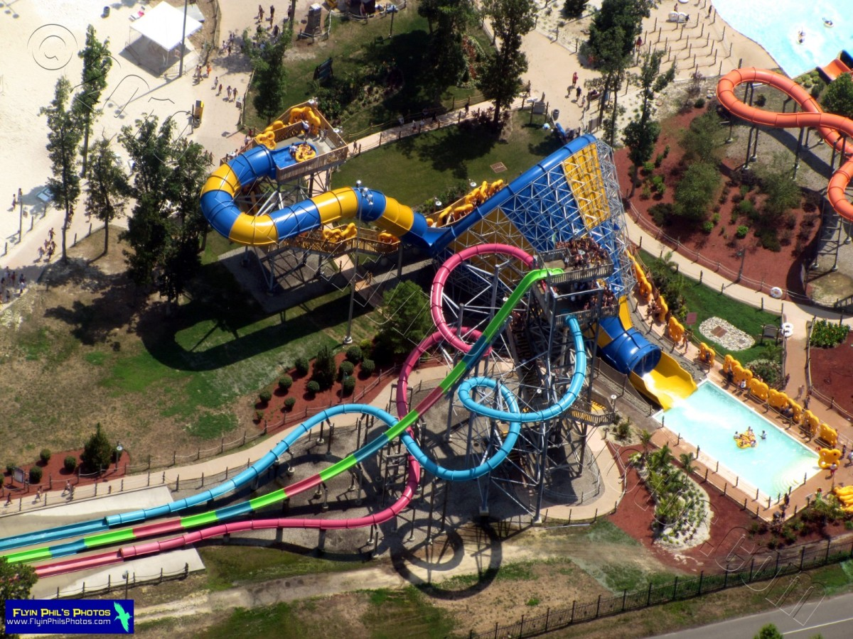Hurricane harbor water park is inside the six flags theme park