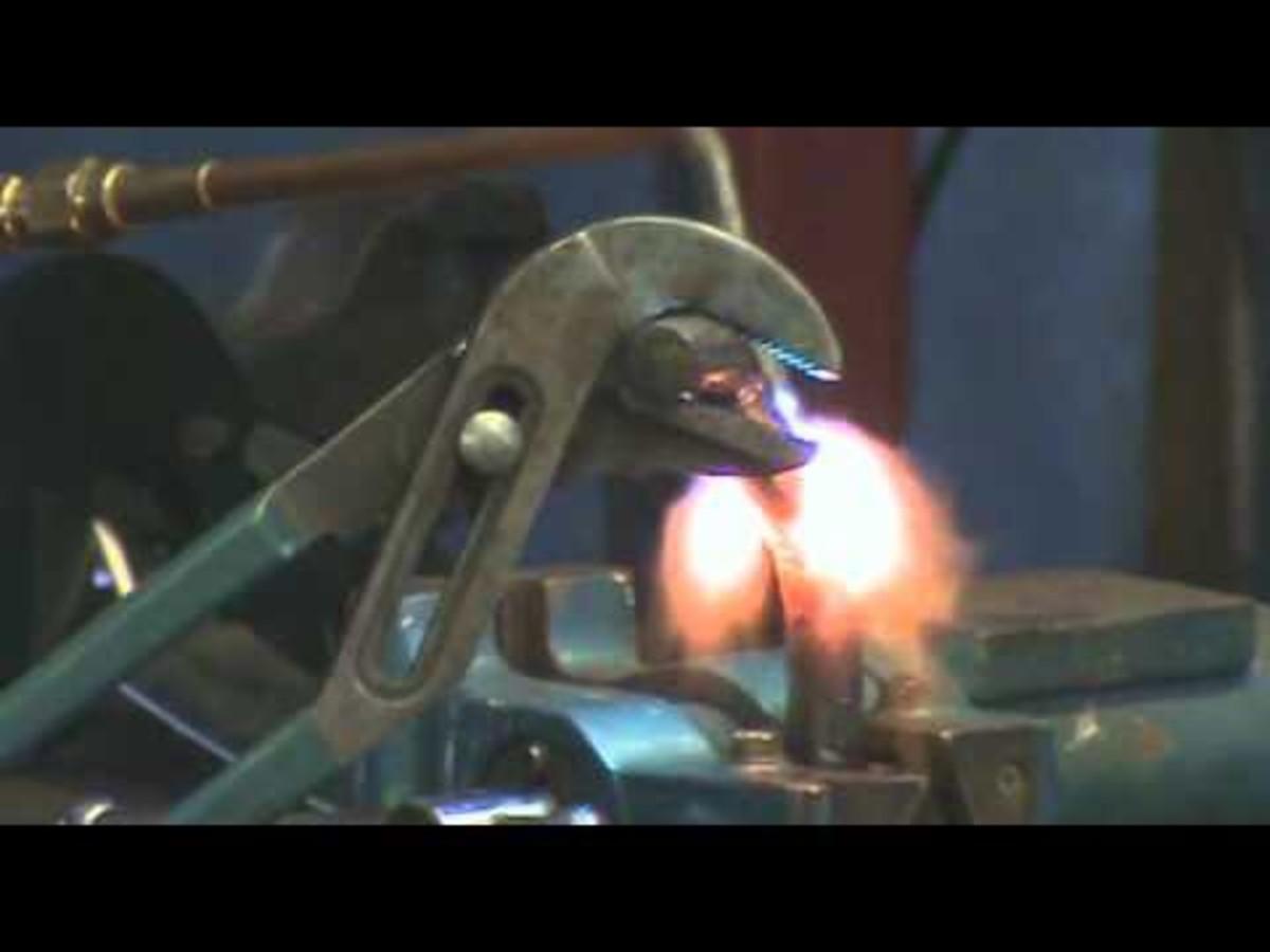versatility-of-an-oxyacetylene-torch-for-the-metal-artist
