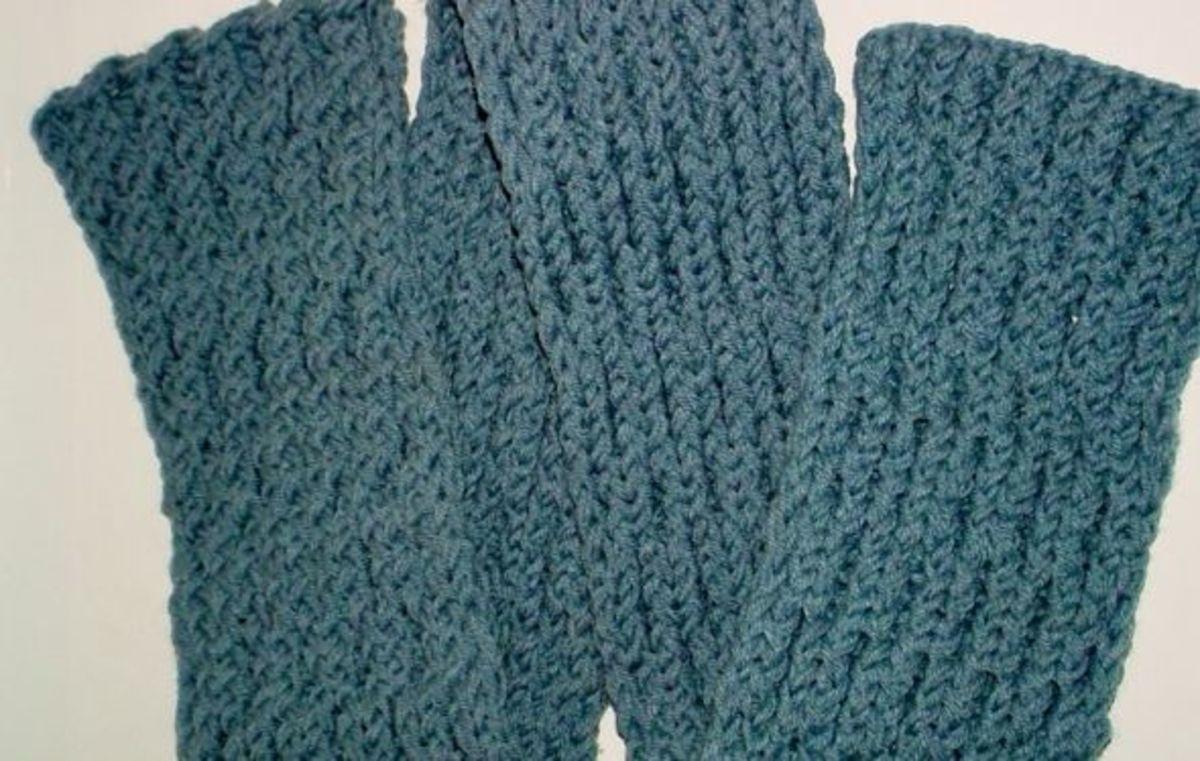 Waffle stitch scarf in blue