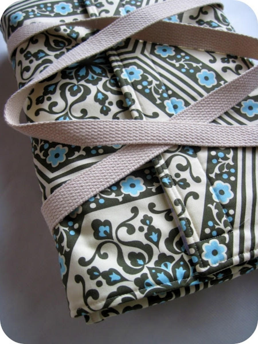 Sewing Projects with Insulated Fabric - Casserole Carrier