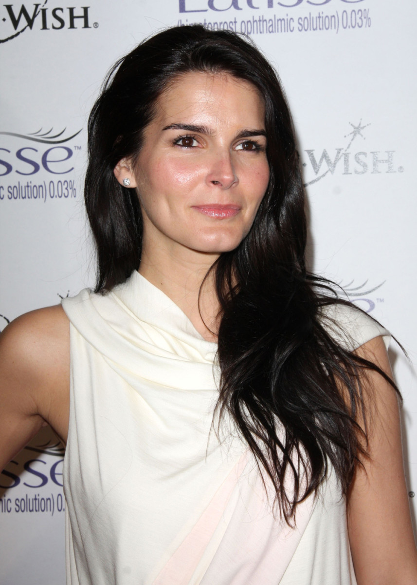 Angie Harmon: Thin and rich