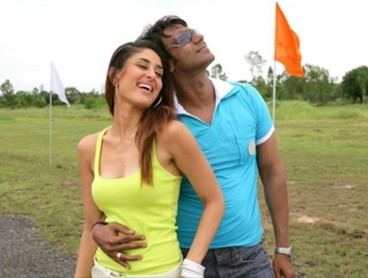 Kareena Kapoor and Ajay Devgan in Golmaal Returns.