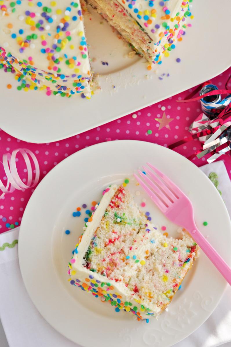 Funfetti Cake {click for recipe}