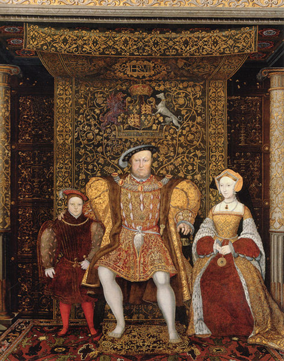 Family of Henry VIII painted portrait, in front of one of his commissioned tapestries from Belgium.