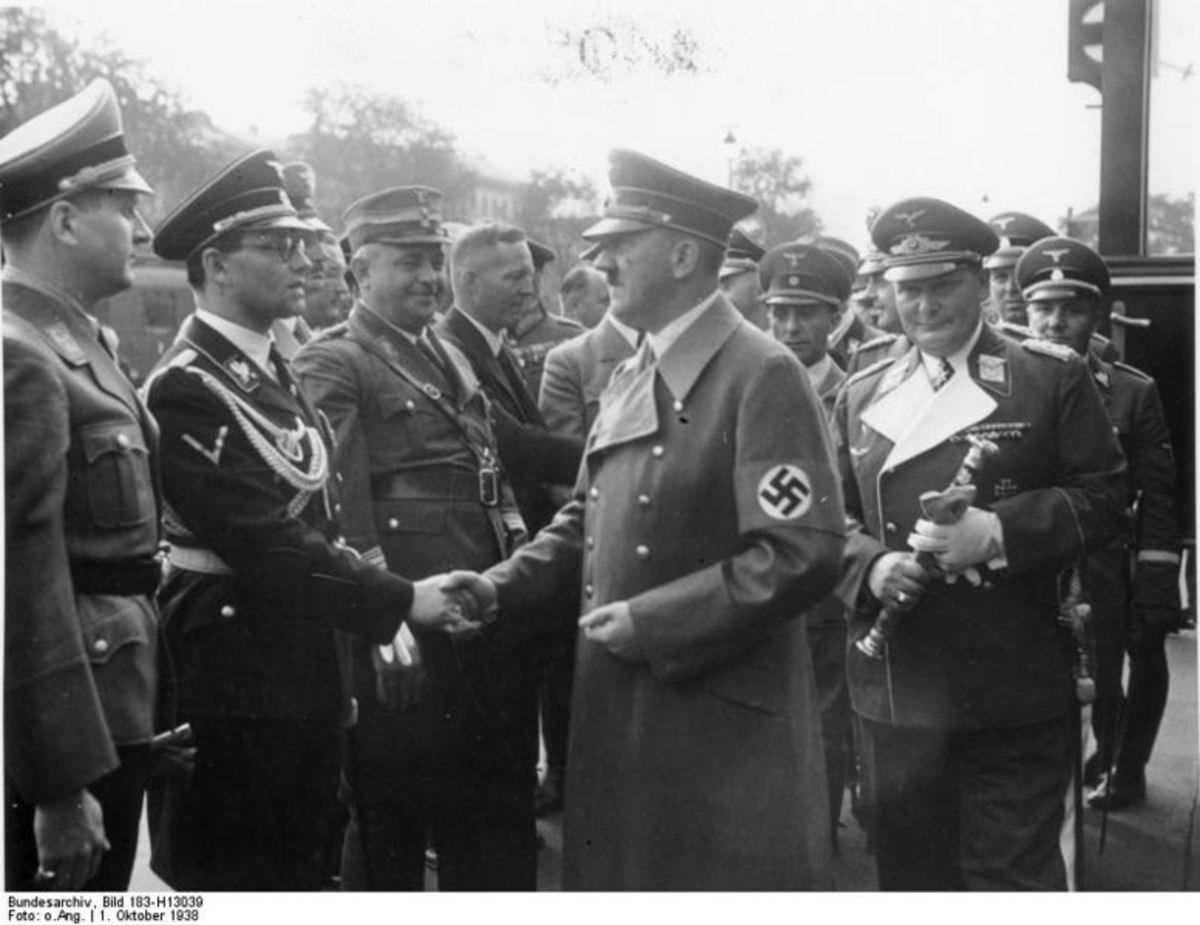 Hitler returns after a successful outcome of the Munich Conference