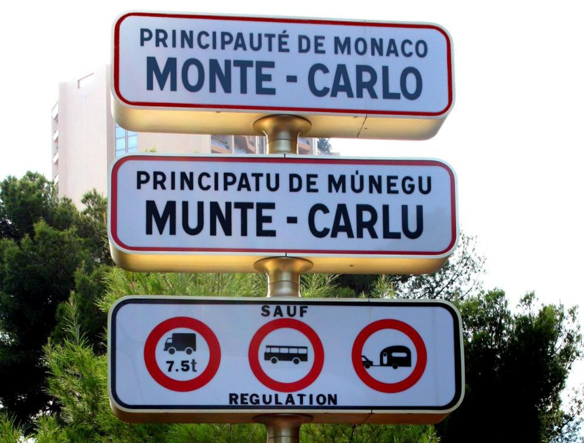 Sign at the border of Monaco, in both French and Monagasque