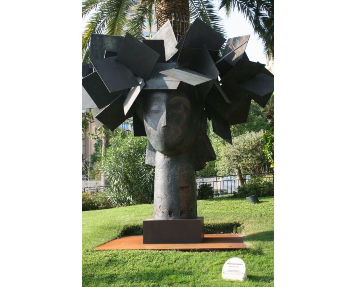 Dama III - One of a series by Spanish sculptor Manolo Valdes, inspired by Matisse's paintings of women in hats.