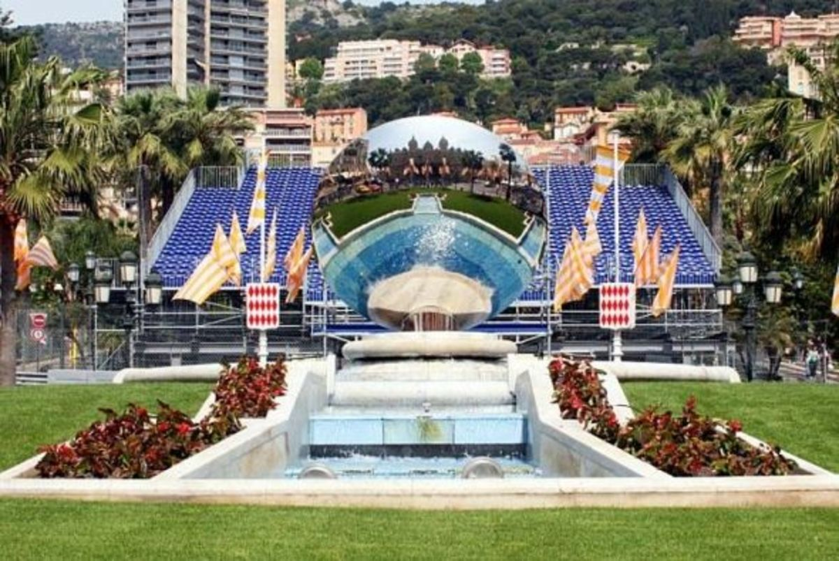 Casino Gardens with the Grand Prix stands behind