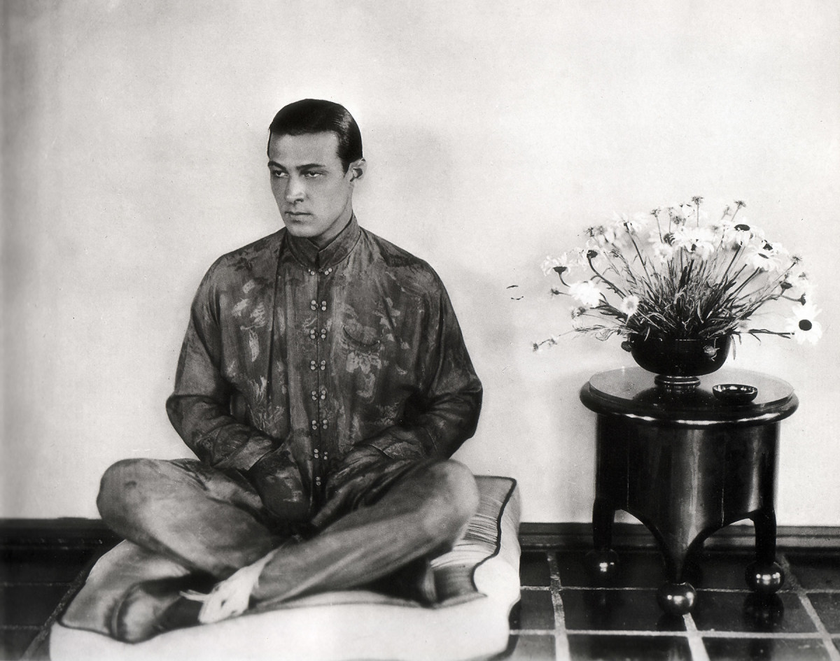 rudolph-valentino-the-sexiest-actor-of-all-time