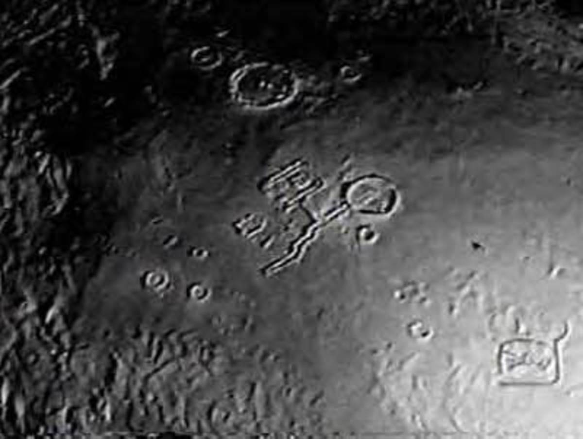 Aliens on moon is there really an alien moon base