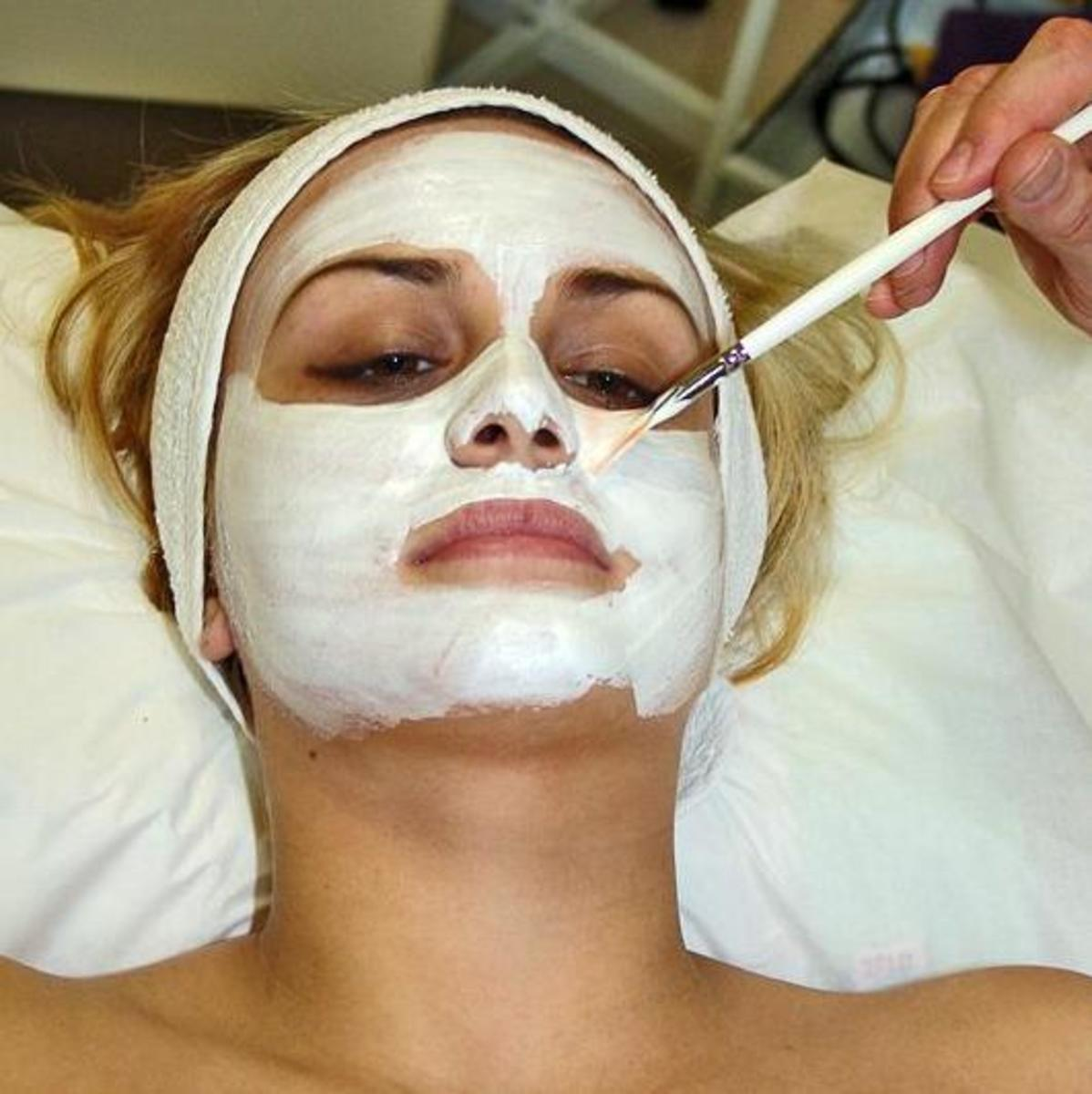 There are many ways to treat your skin in order to keep your youthful appearance.