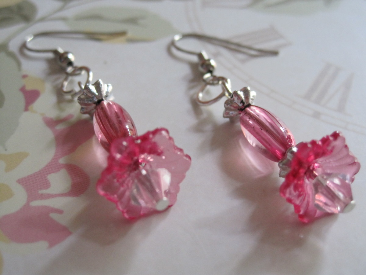 In five minutes you can have a lovely pair of earrings