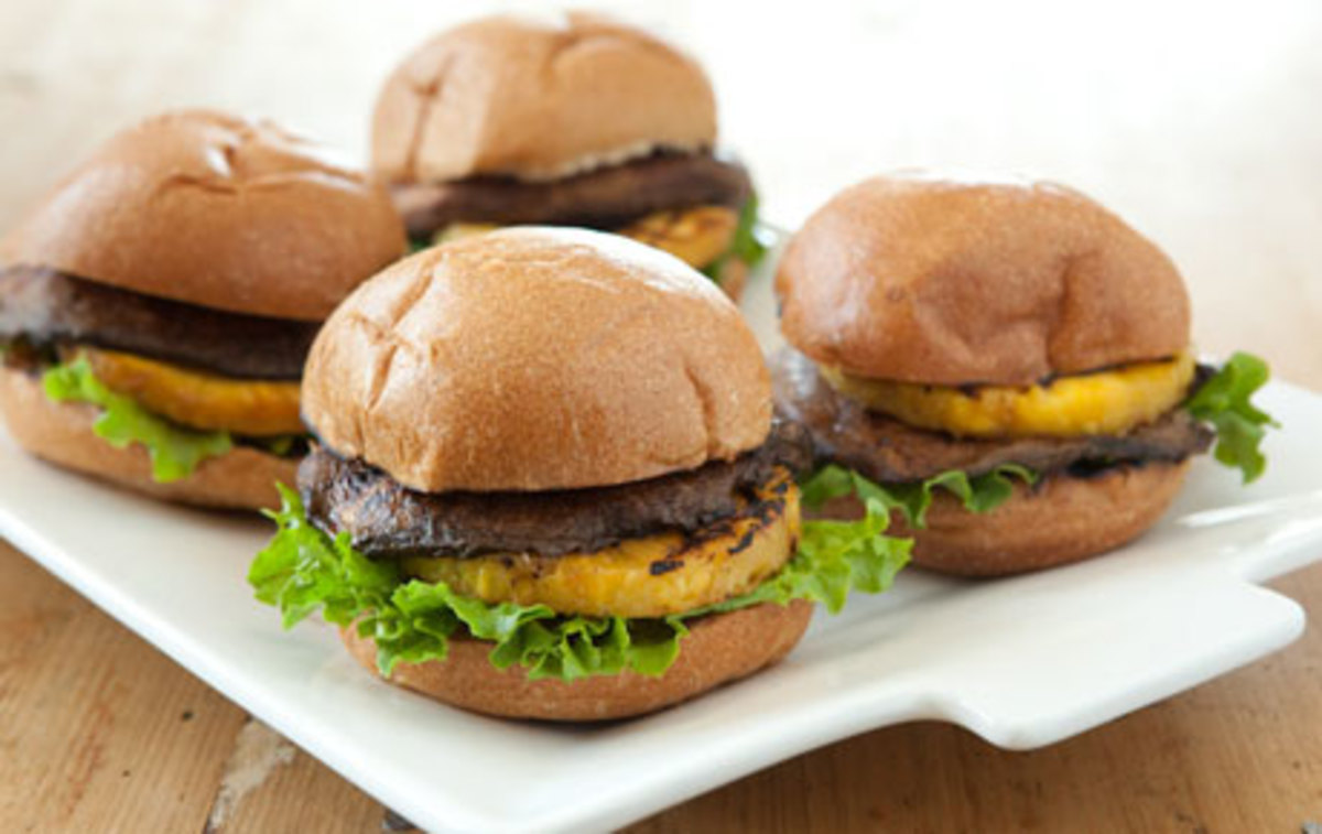 More Creative Hamburgers with Unique Burger Topping Ideas