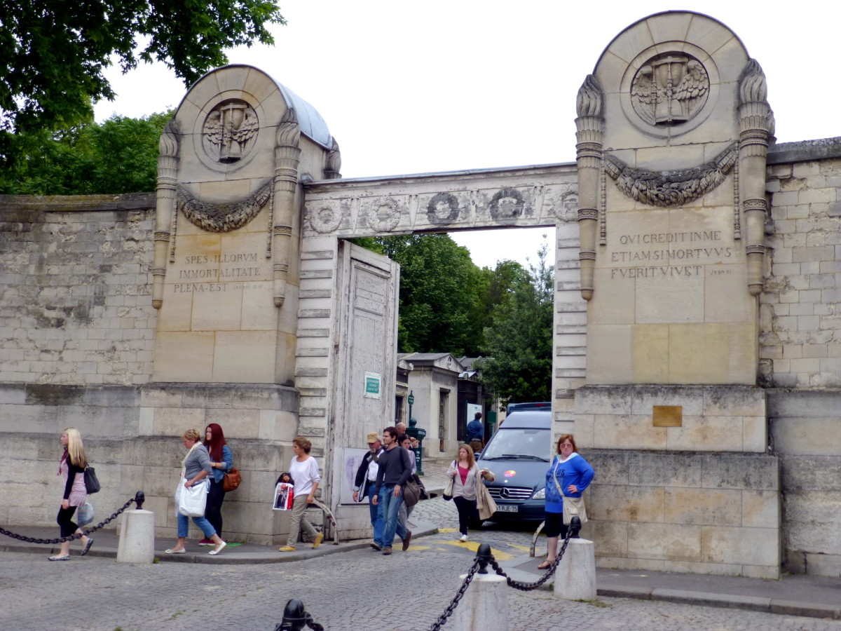 Main entrance to the Pere Lachaise Cemetery.