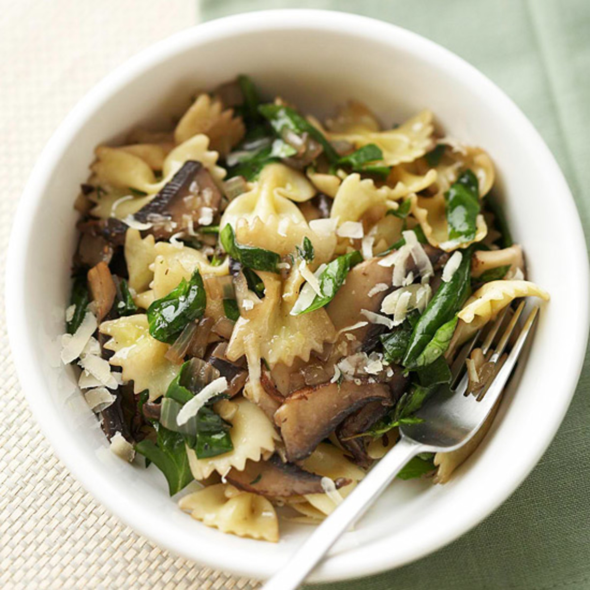 Farfalla with Mushrooms and Spinach