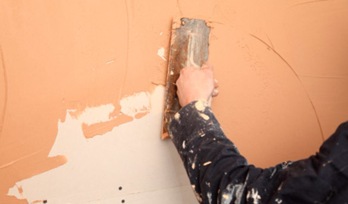 How To Plaster Or Skim A Wall Using Finishing Plaster