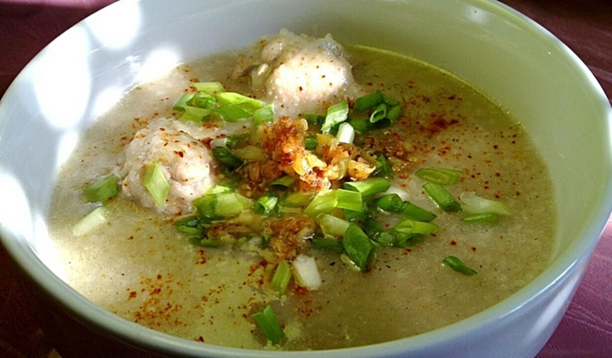 How to Cook Arroz Caldo - Chicken, Rice, and Ginger Philippine Porridge
