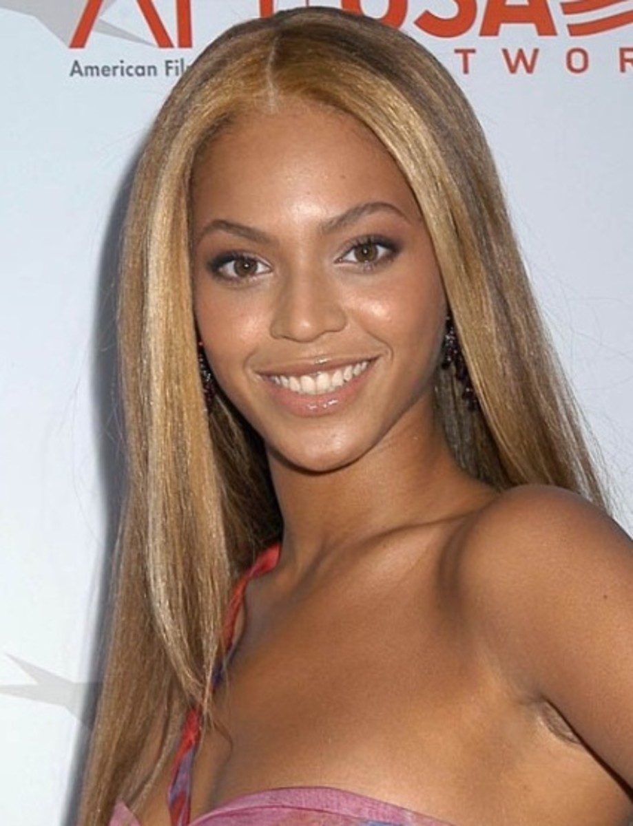 Beyonce in one of the best wig styles in Hollywood.