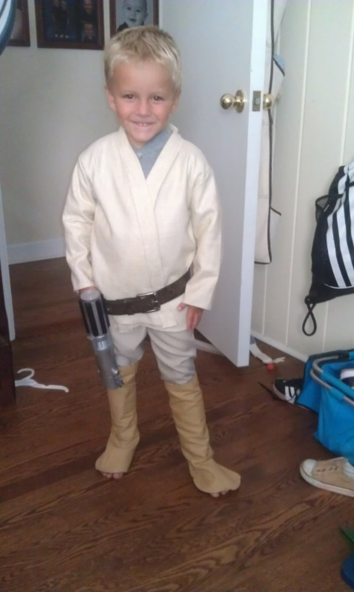 I love the Jedi Costume too - this turned out so cute