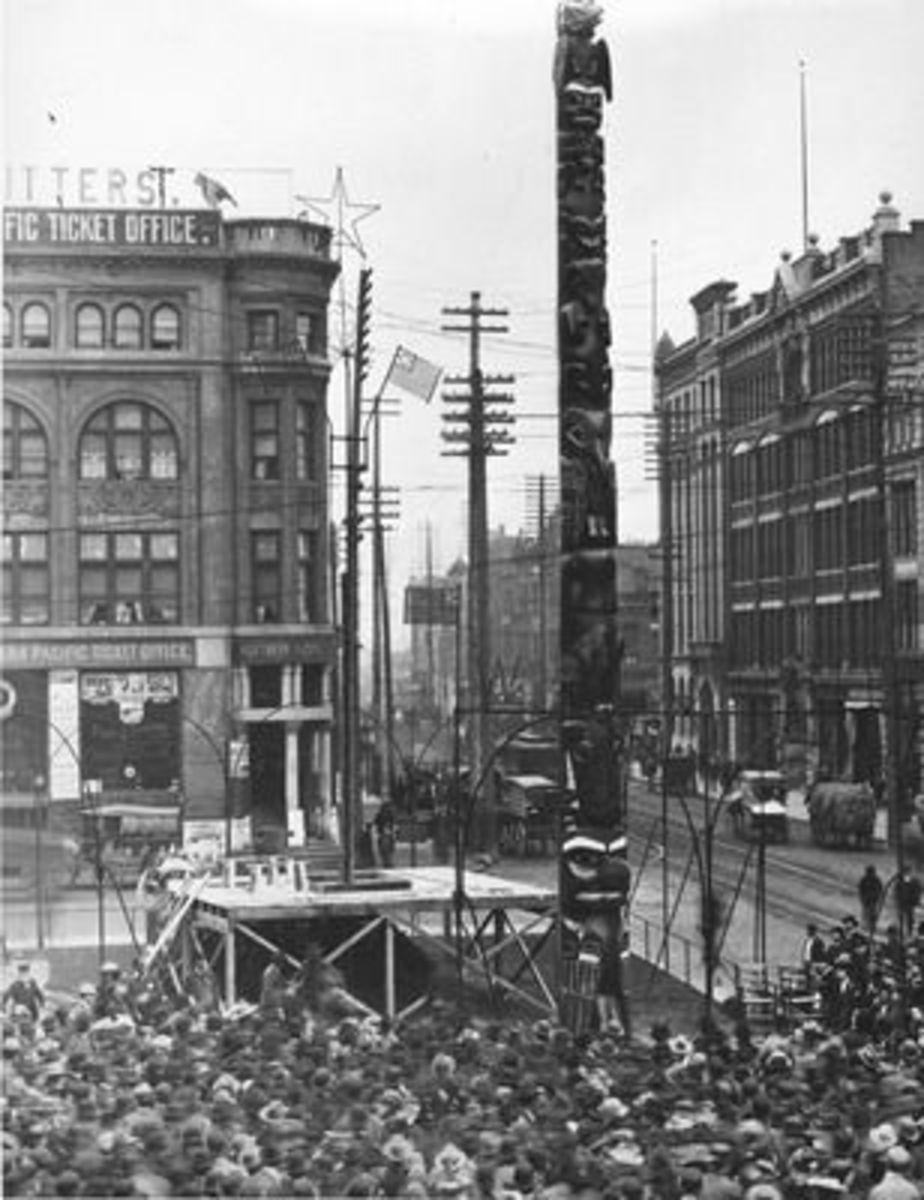 Pioneer Square Totem Pole 1899