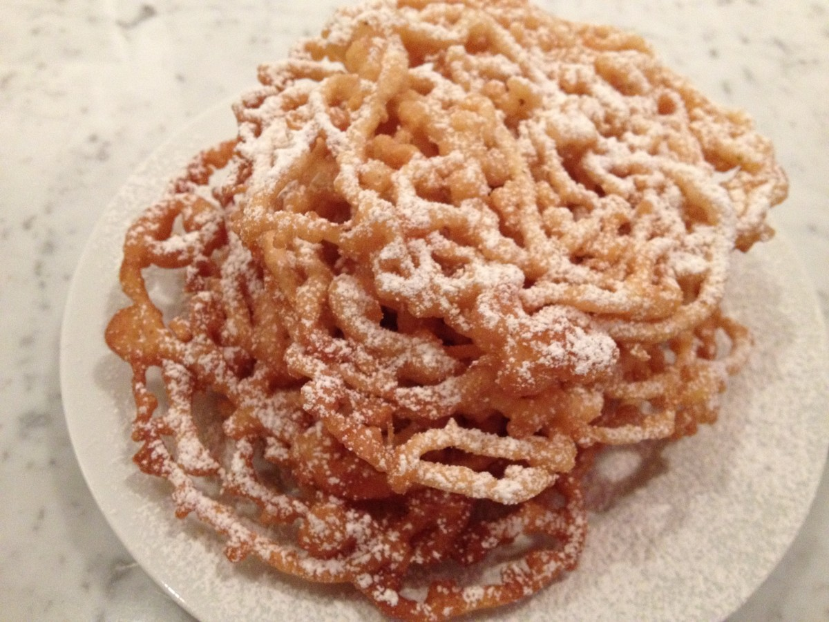 Visiting Lancaster Pennsylvania and learning how to make funnel cakes; the Amish way.