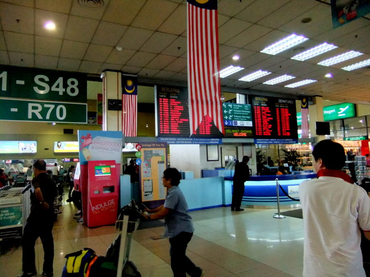 This LCCT is now closed for operation and all low cost flights will use the new KLIA2. See link to KLIA2 Guide website in the accompanying text.