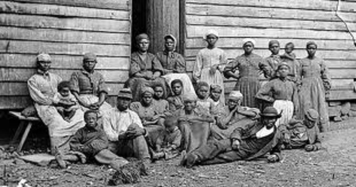Family of African slaves in Early America-which was bed on chatel slavery