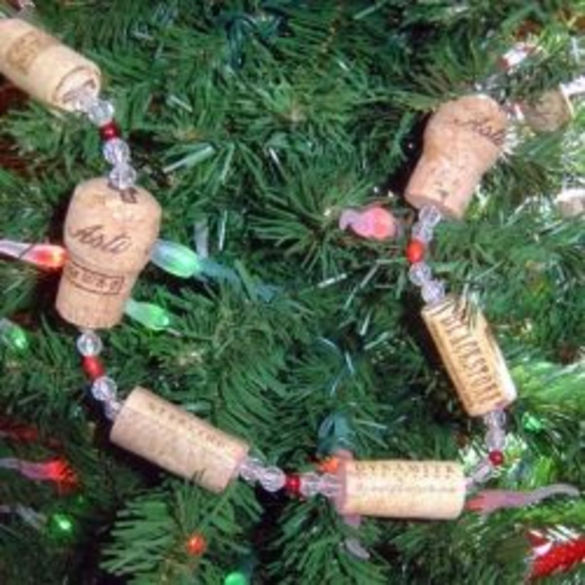 DIY Wine Cork Christmas Garland