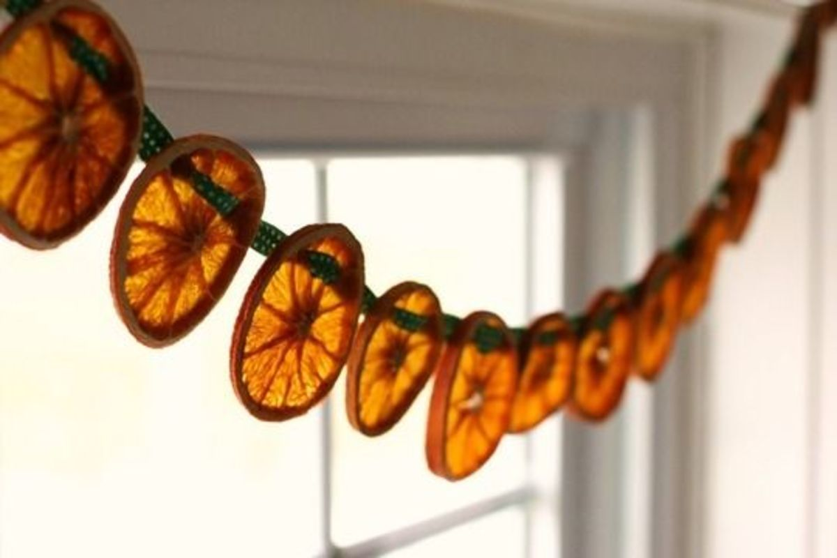DIY Garland - Dried Orange Slices via Flower Patch Farmgirl