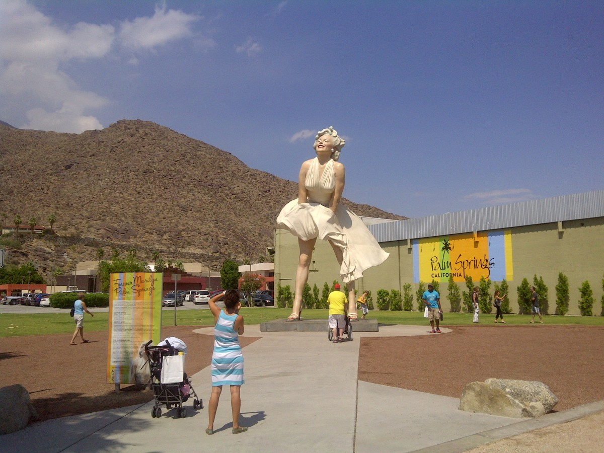 Marilyn Monroe statue, downtown Palm Springs