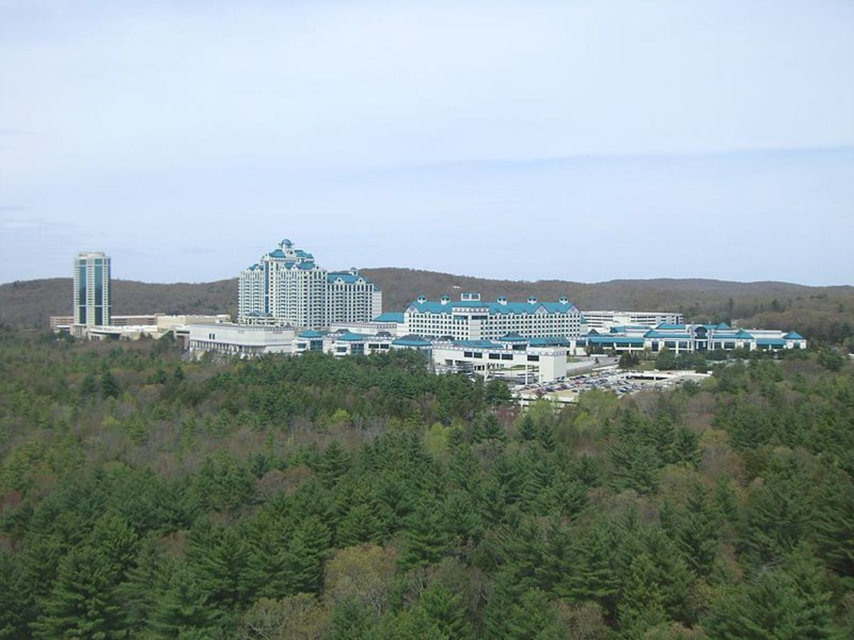 Foxwoods Resort of the Mashantucket Pequot in Ledyard, Connecticut opened for business in 1992.
