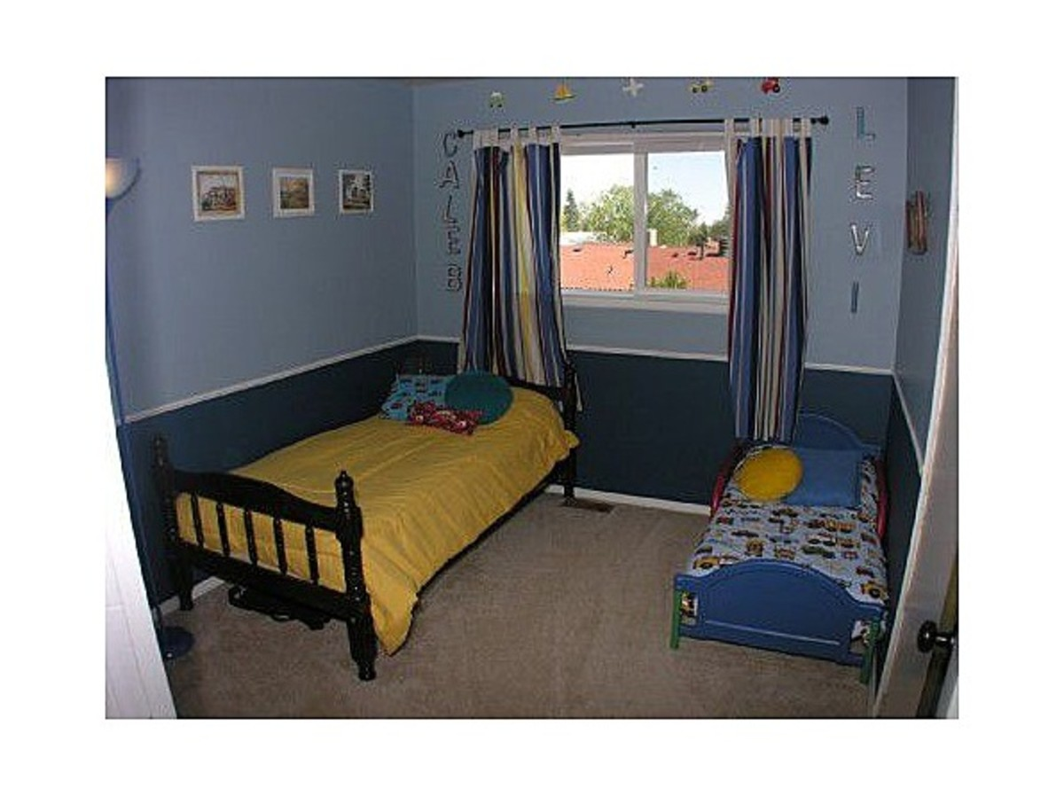 My Boys' Old Room. Yes, two real human little boys slept in that room the night before these pics were taken...I'm pretty sure stuff was stashed in the closet...