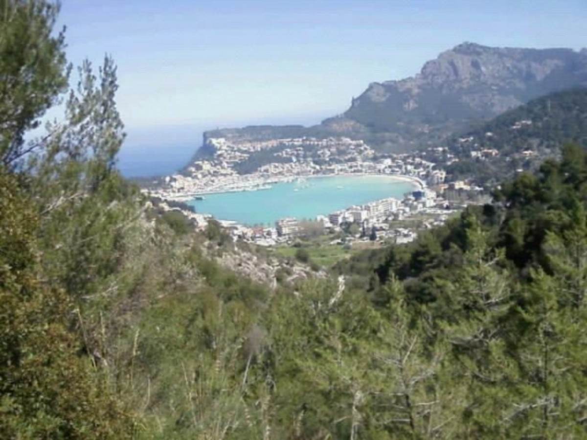 Port of Soller from the road leading up to the lighthouse in the Tramuntana Mountains, by peterb6001