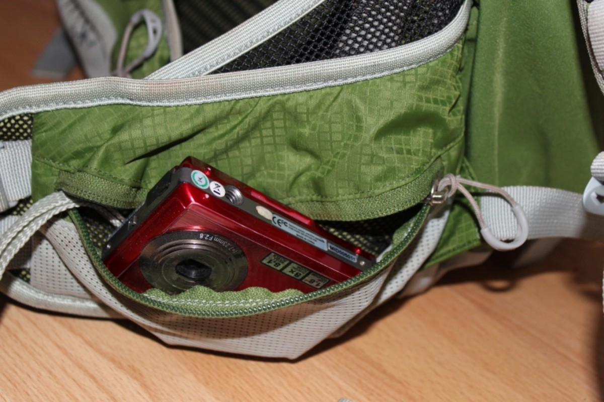 The pockets on the wait belt are great for point and shoot cameras when on th move. A bit too big for the DSLR though!