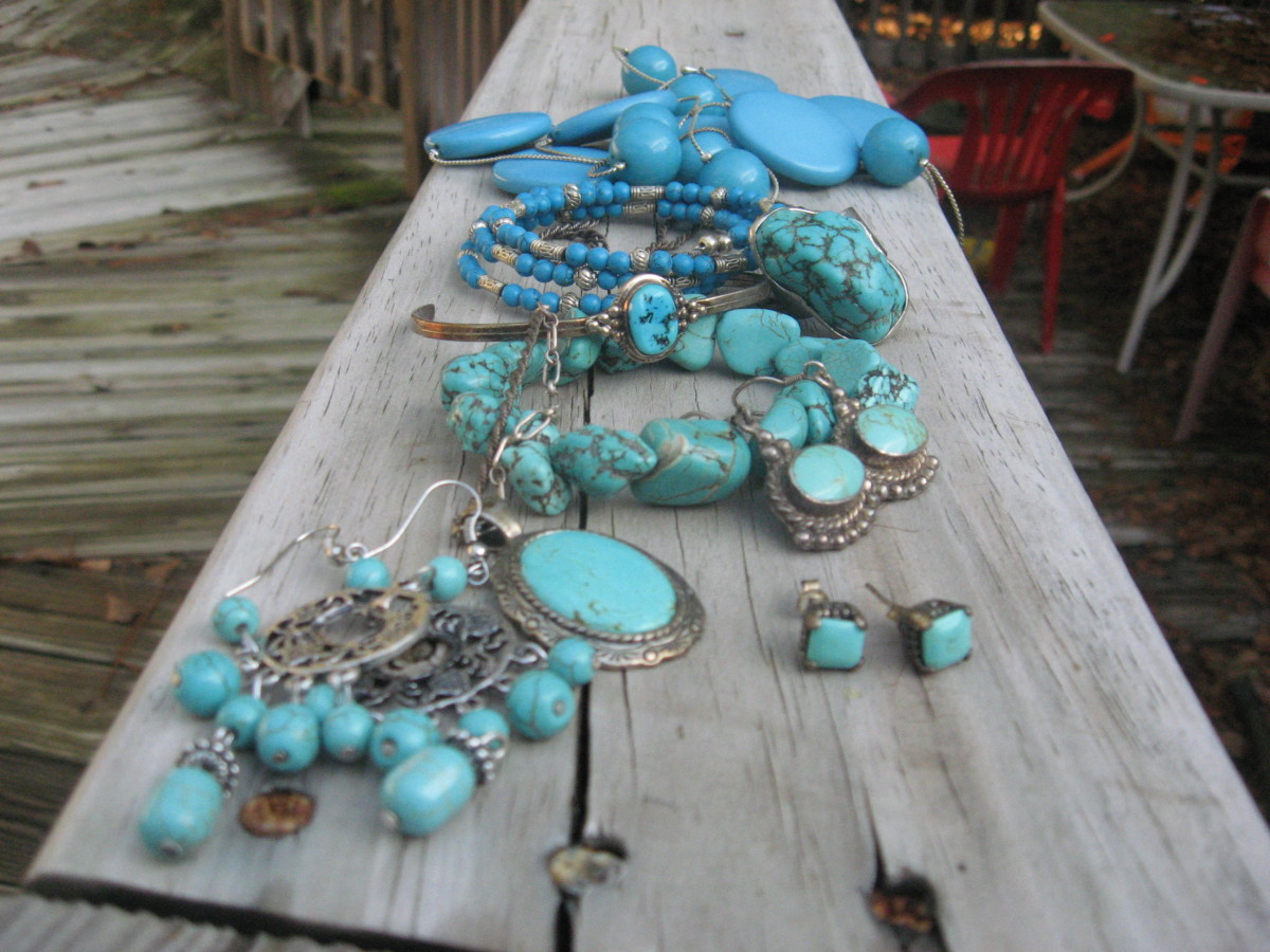 Turquoise is in style again!