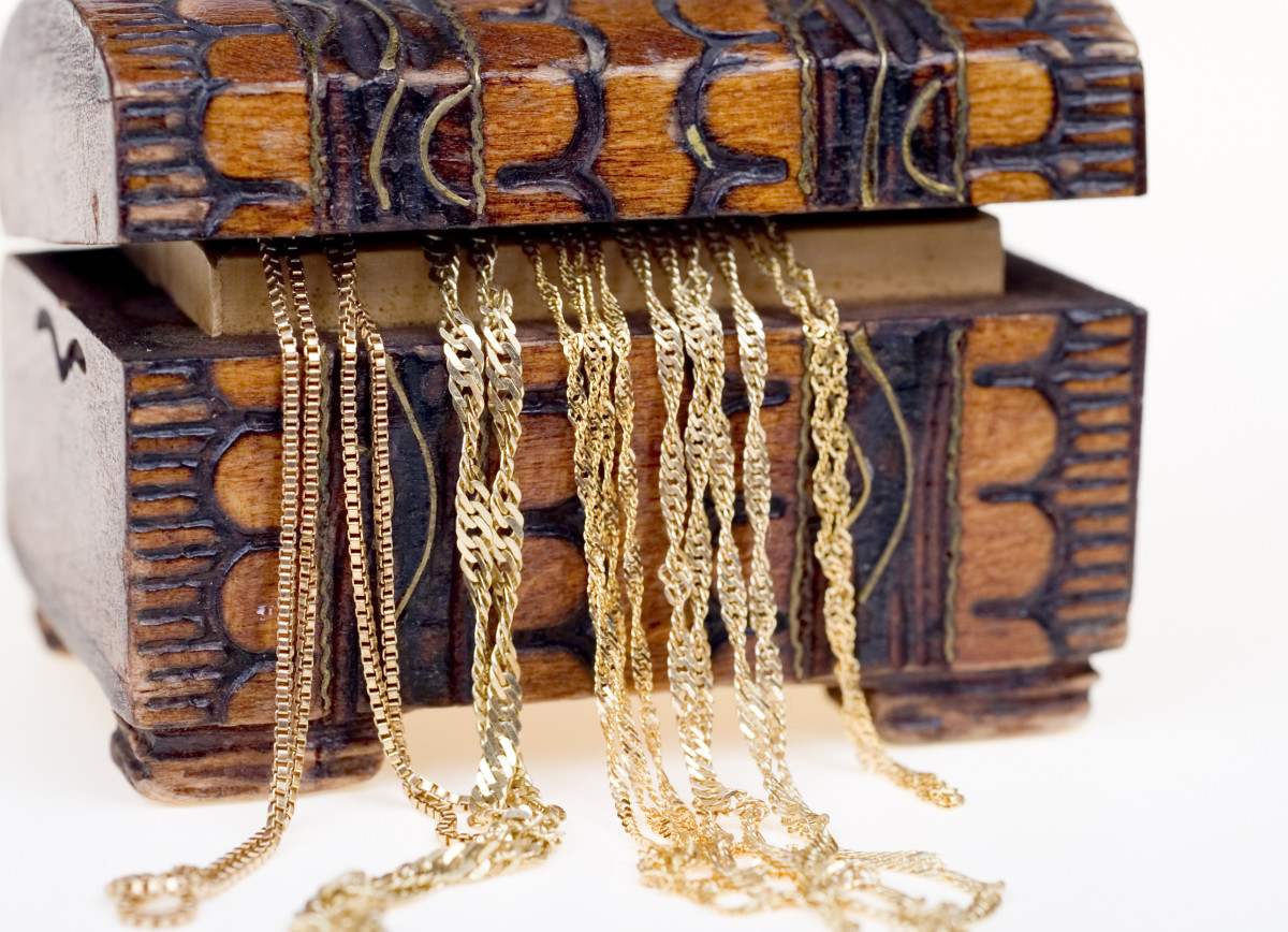 Estate Jewelry can be a mixed bag of trash and treasures.