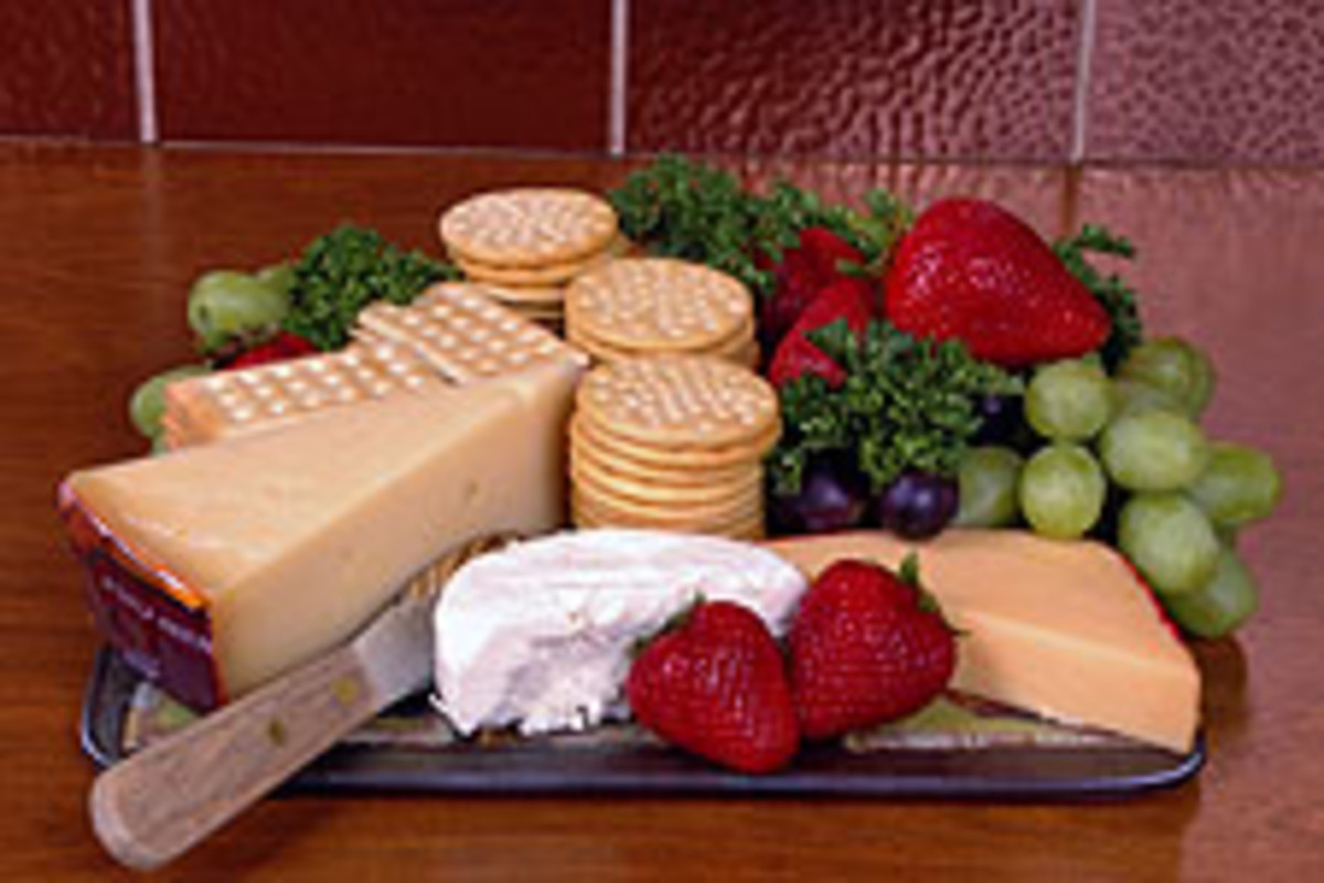 Cheese, fruit, and cracker platter