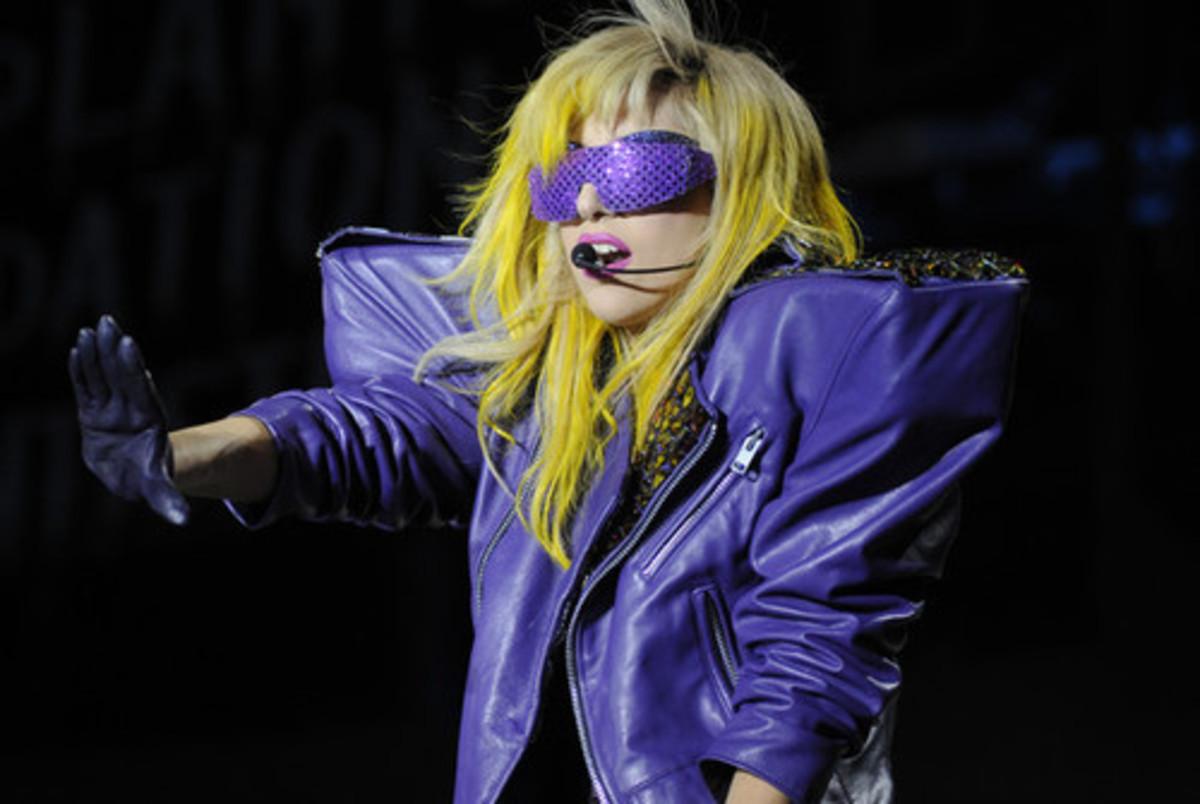 Lady Gaga in purple sunglasses