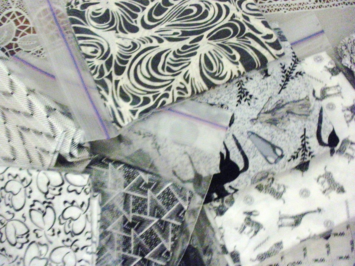 Black and white fat quarters were exchanged in this fabric swap.