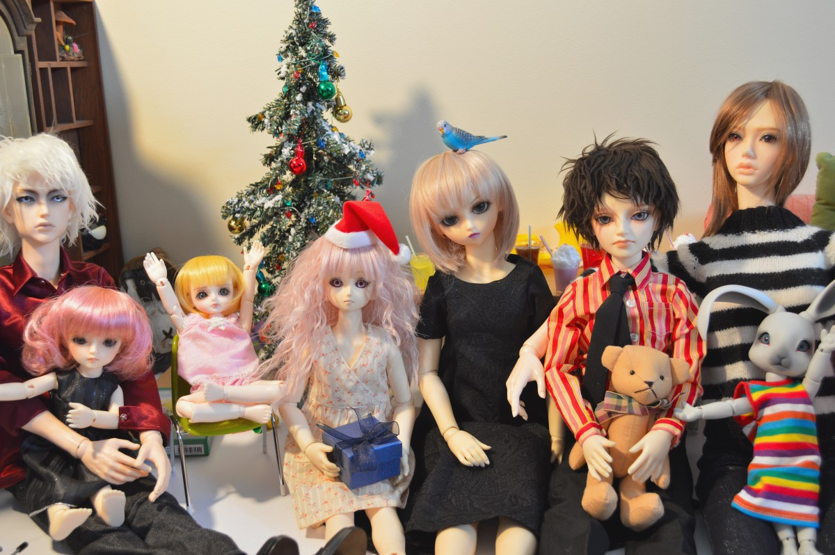 Seven sizes of BJD in one room.