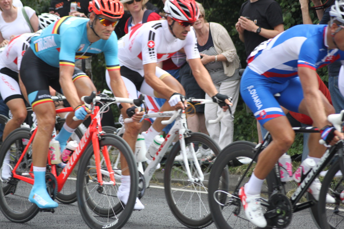Have you ever experienced wrist pain or numbness from cycling? Pictured Fabian Cancellara and Tom Boonen