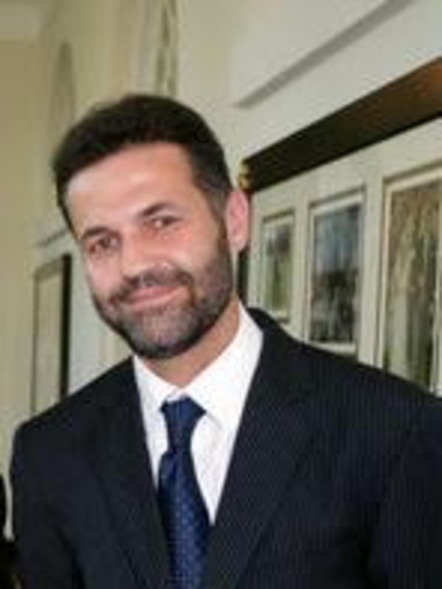 Author of A Thousand Splendid Suns - Khaled Hosseini