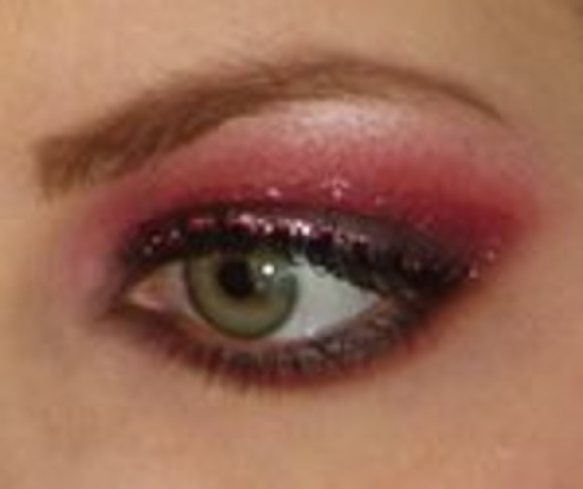 Red Cream eye makeup