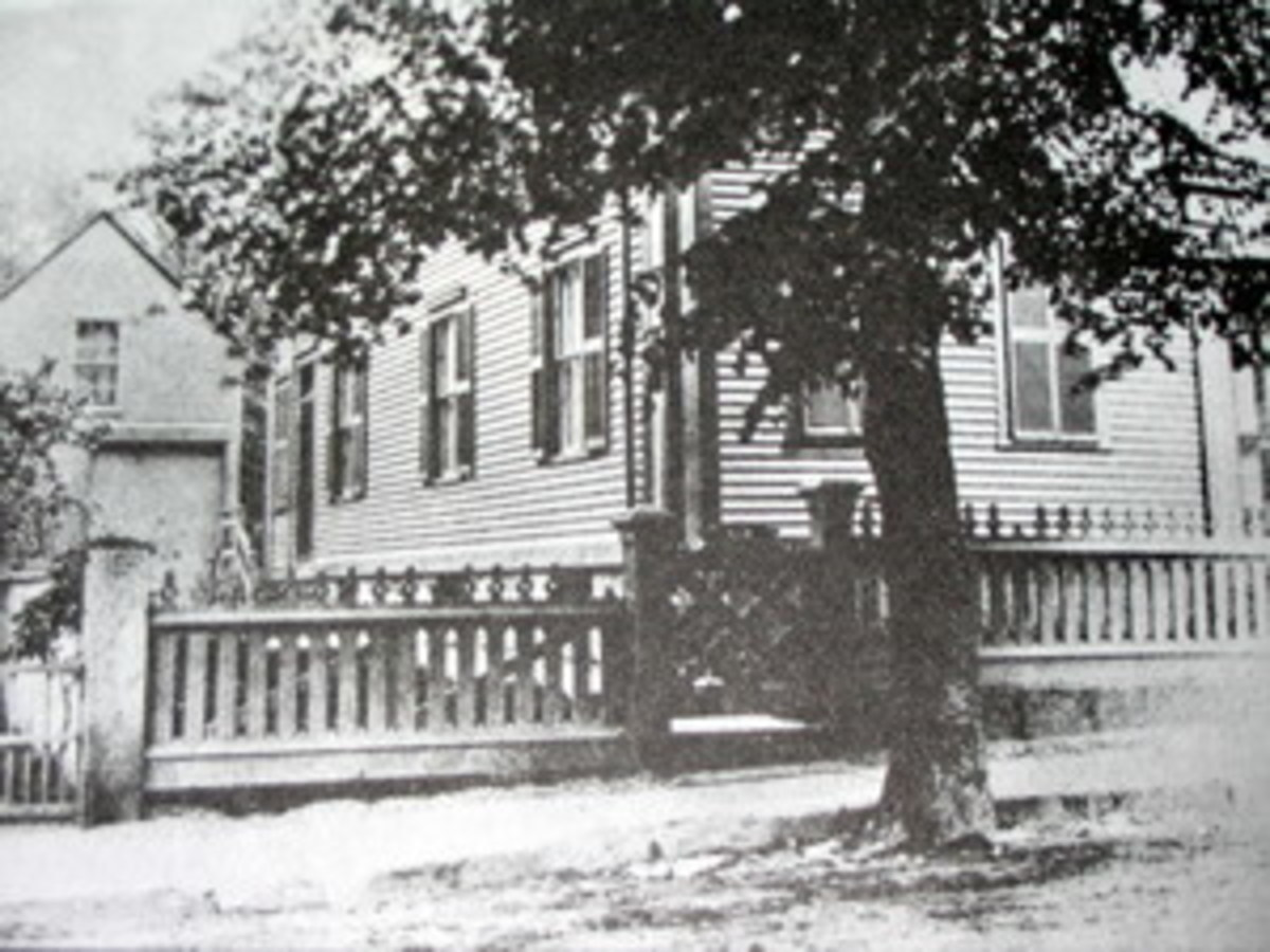Lizzie Borden's house was a typical, middle-class home in a 'normal' neighborhood.  Why would anyone expect it to be the scene of a murder?